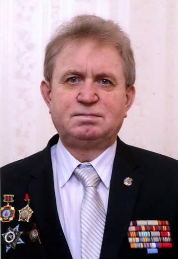 http://sg.uploads.ru/t/ibBoH.jpg