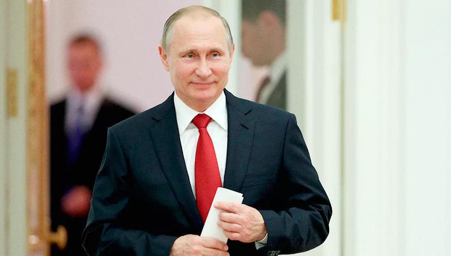 Президент РФ Владимир Путин произнес тост за героев Отечества