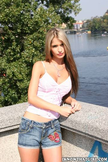 http://sg.uploads.ru/t/EIeTZ.jpg